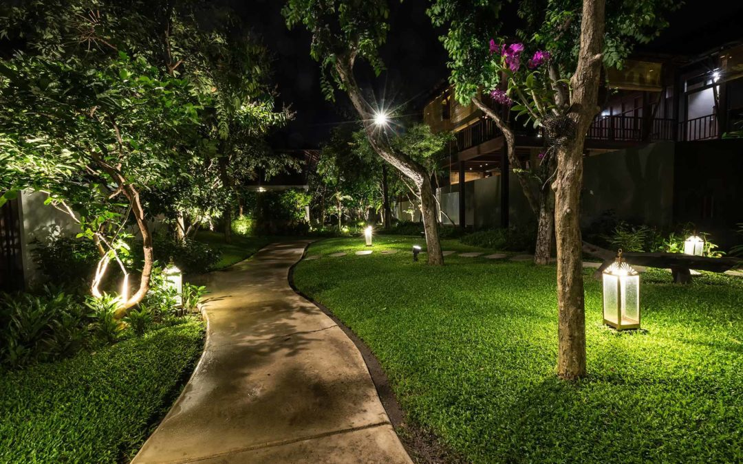 featuredimage-Add-bling-to-your-outdoors-with-landscape-lighting
